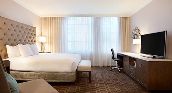 The guestroom of Hilton St. Charles